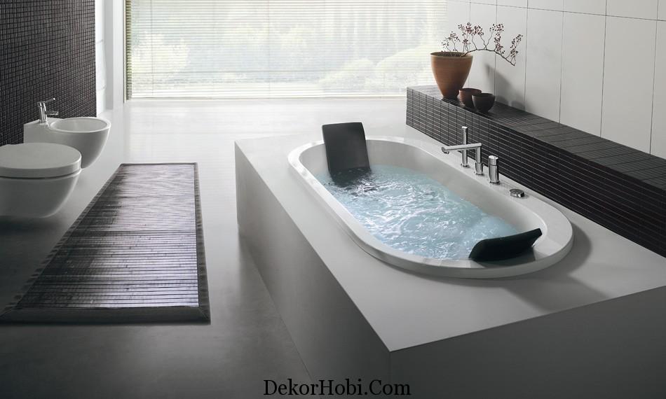 built-in-oval-bathtub