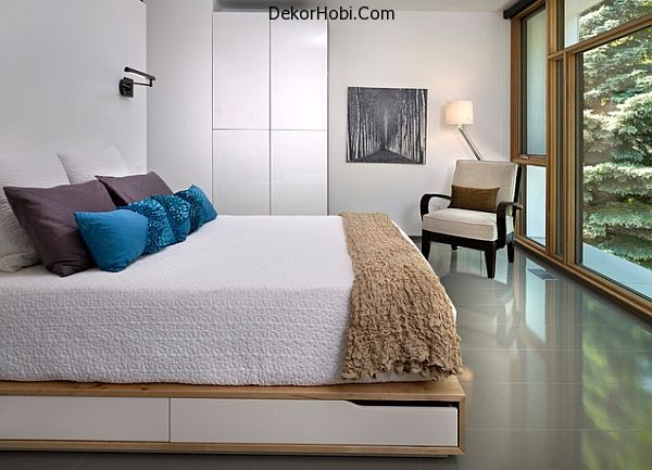 contemporary-bedroom-with-under-bed-storage-space
