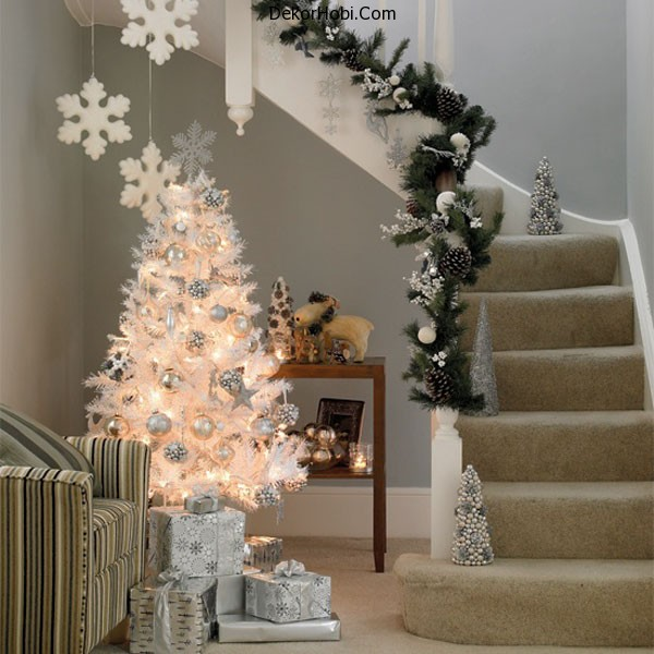 christmas_stairs_decoration