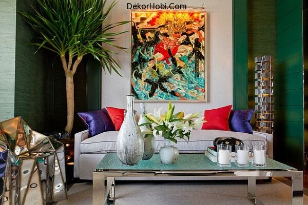 colorful-living-room-with-emerald-accents