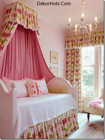 rustic-romantic-girls-room-with-crown_canopy