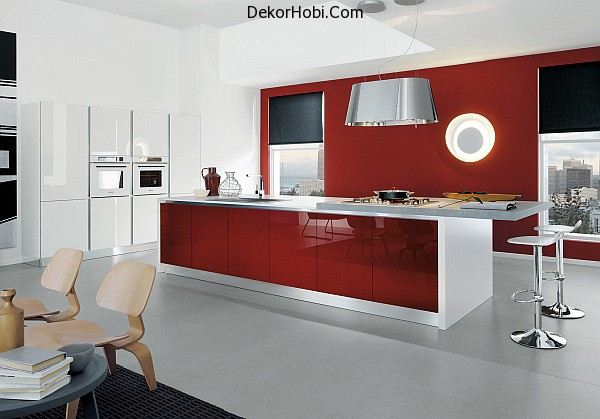 Contemporary-kitchen-in-white-and-glossy-amaranth-red