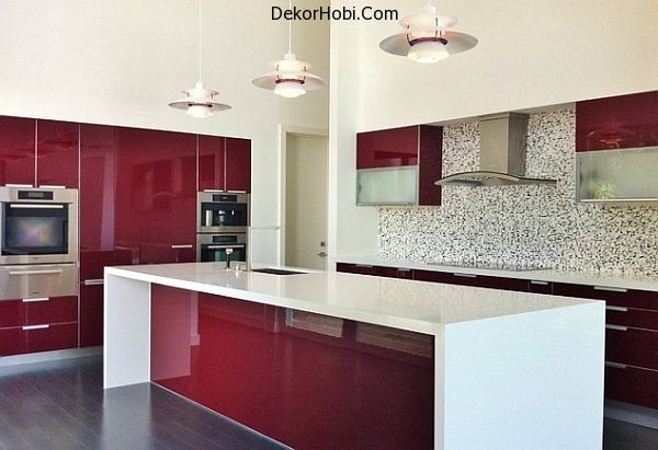 Dark-red-painted-wood-kitchen-design
