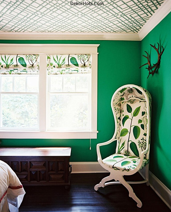 Emerald-green-bedroom-walls