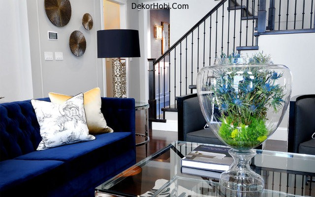 Gray-living-room-with-rich-blue-seating