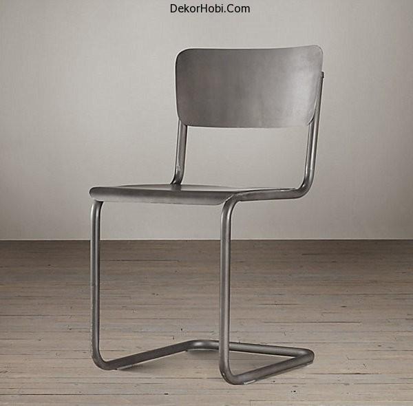 Modern-metal-schoolhouse-chair