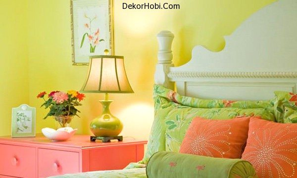 Traditional-acid-yellow-bedroom