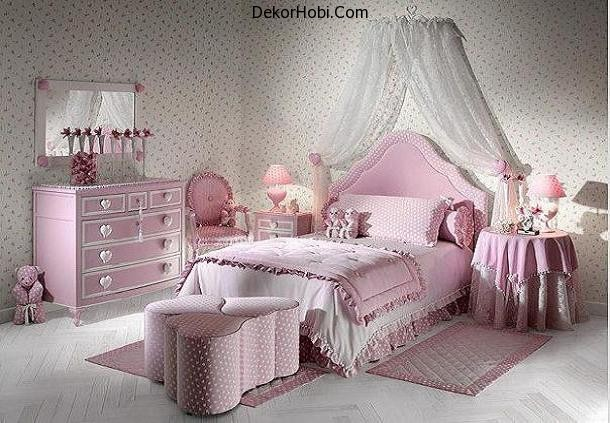 attractive-looking-in-ash-pink-and-white-decor