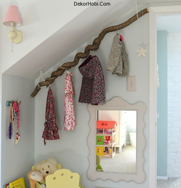 coatrack-childrens-room