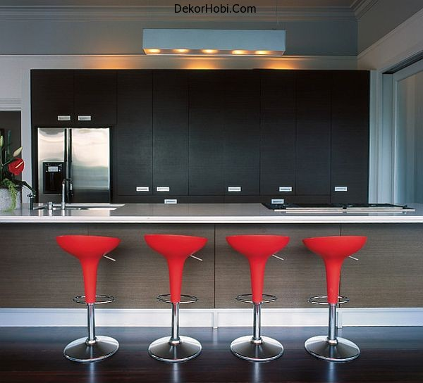 kitchen-bar-stools-in-red