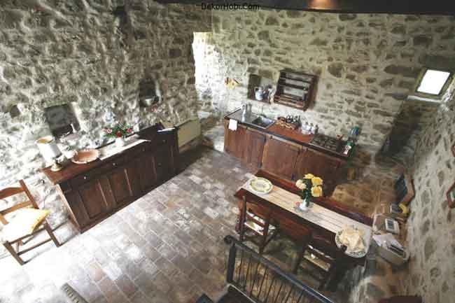 luxury-villa-tuscany-italy-kitchen