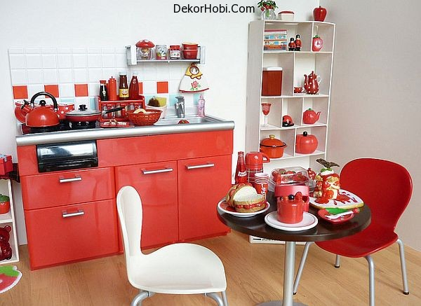 small-apartment-kitchen-in-red-and-white