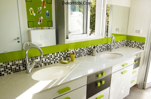Contemporary-kids-bathroom-with-fresh-green-hues-and-an-airy-appeal