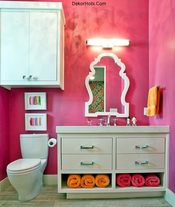 Fabulous-mirror-and-fascinating-color-make-this-an-ideal-bathroom-space-for-most-girls