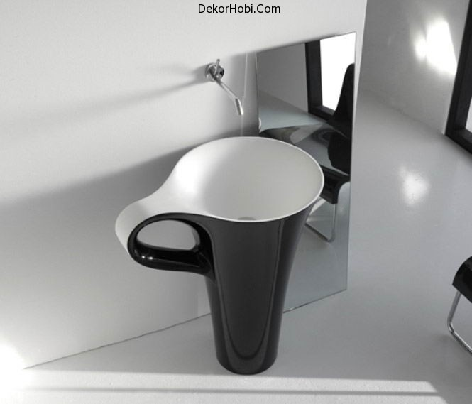 black-coffee-cup-basin