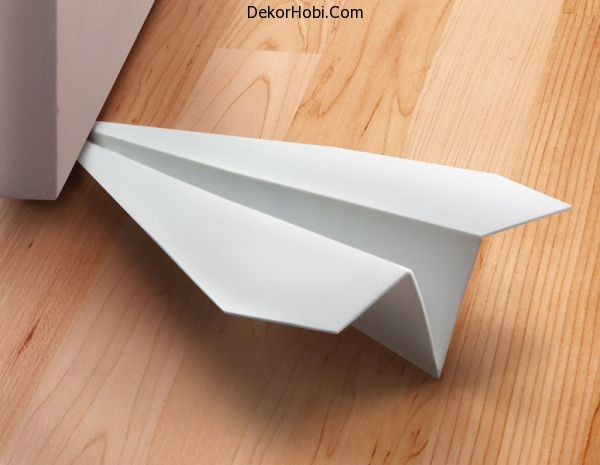 paper-airplane-doorstop-xl