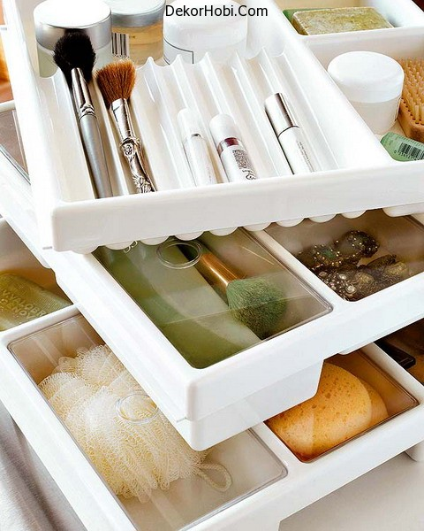 makeup-storage-in-drawers-1