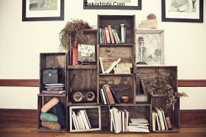 old-crates-turned-into-living-room-bookshelf