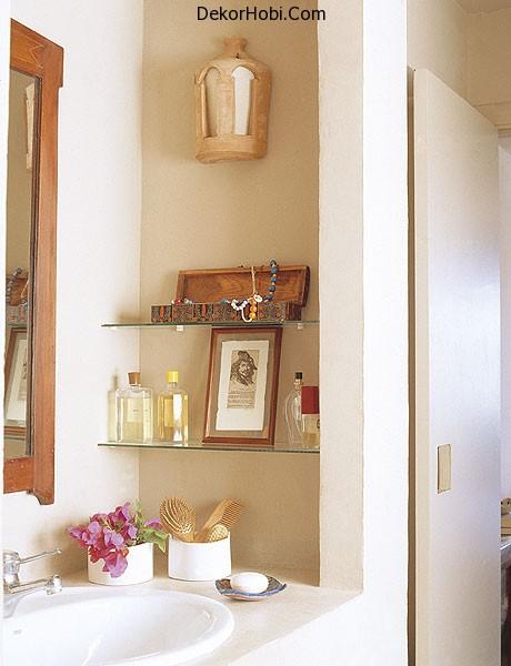 storage-ideas-in-small-bathroom-14