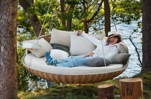 swingrest-hanging-lounger-from-dedon-1-thumb-630x415-9914