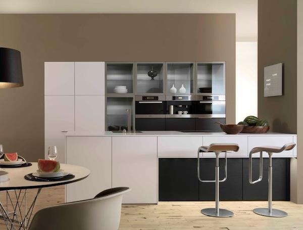 Minimalist-modern-kitchen-with-glass-cabinets