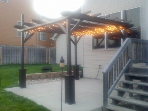 easy-to-make-diy-outdoor-pergolas5-500x375