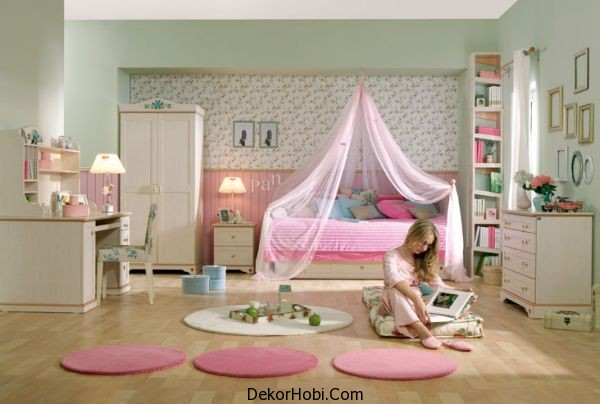 Cool-girls-bedroom-in-pink-that-is-both-sophisticated-and-feminine