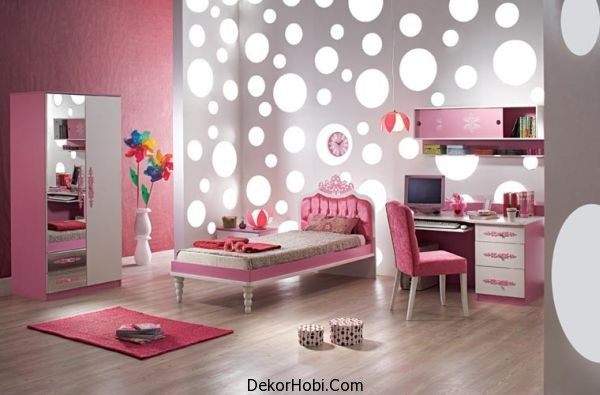 Stylish-girls-bedroom-in-pink-and-silver