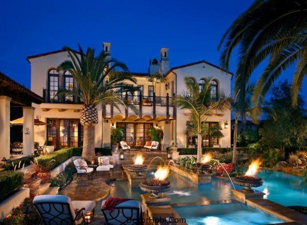 estate-backyard