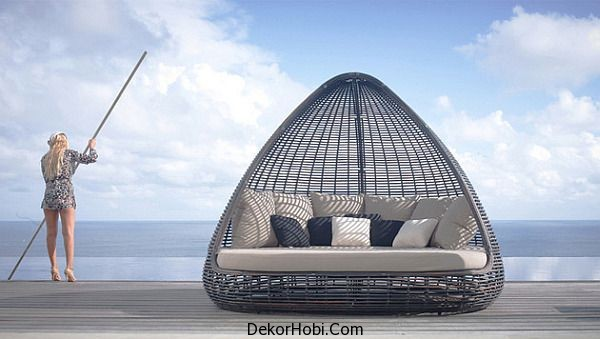 Luxury-Shade-daybed-is-perfect-for-small-patios-and-deck-spaces