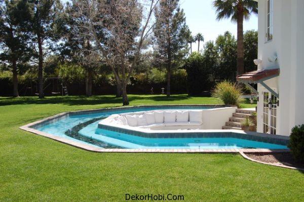 around-pool-seating