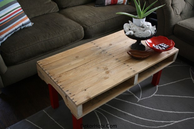 pallete-coffee-table-red-base1