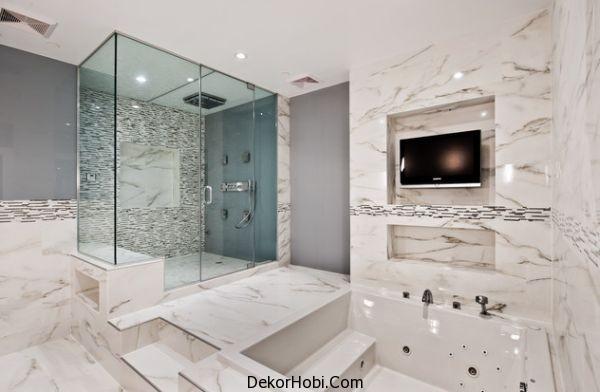 Beyaz geniş ve ferah banyo dekorasyonu