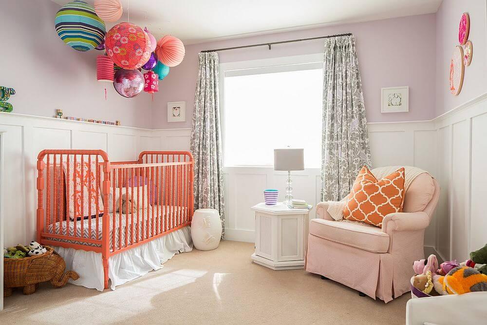 beyaz ve turuncu bebek odalari