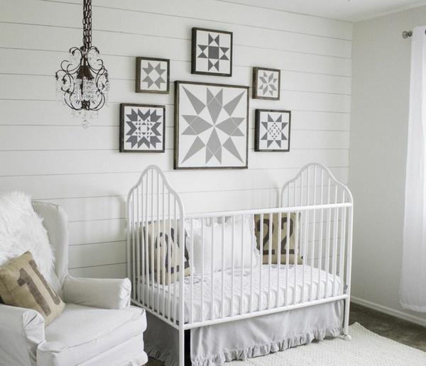 Gri Desenli Beyaz Bebek Odasi Dekorasyon Fikirleri