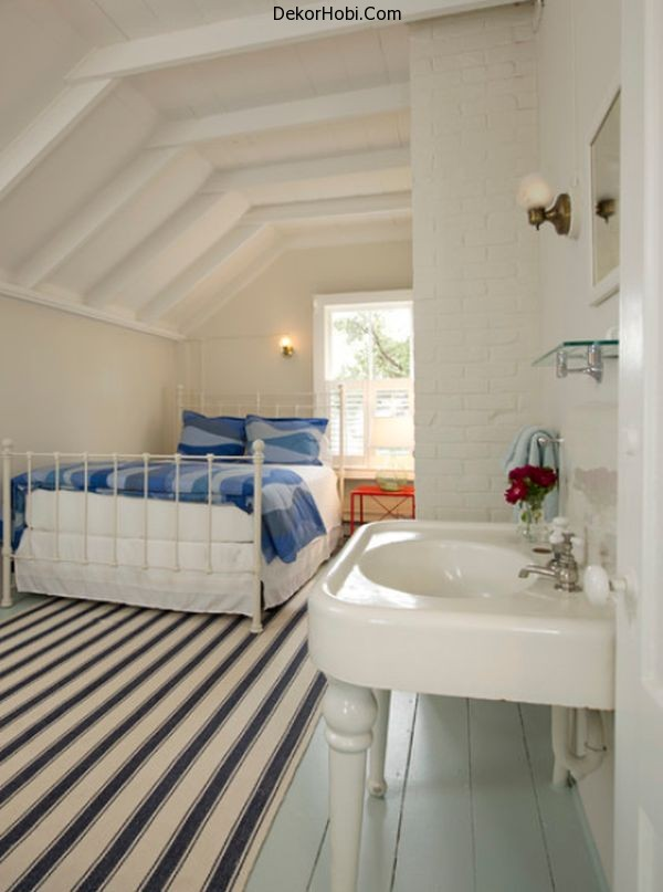 white-small-bedroom